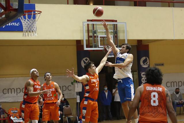 F9 Basket UC vs M. Puente Alto 8 mayo