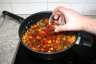 25 - Deglaze with soaked chilis / Mit eingeweichten Chilis ablöschen