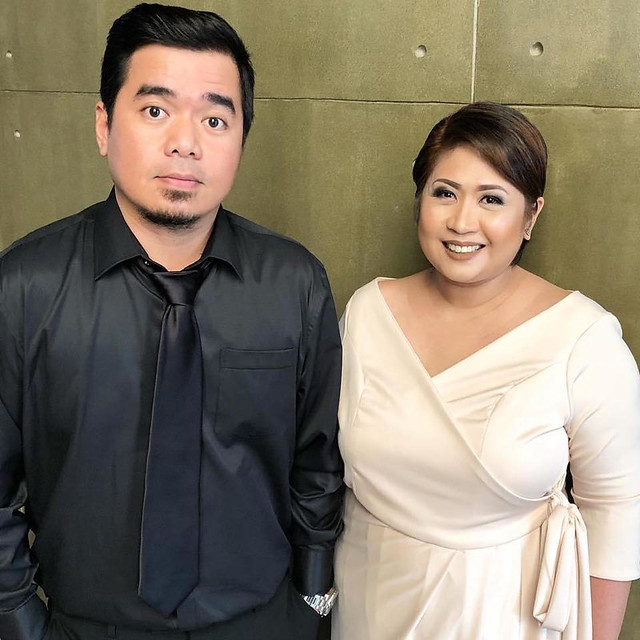 Gloc 9 and wife Thea