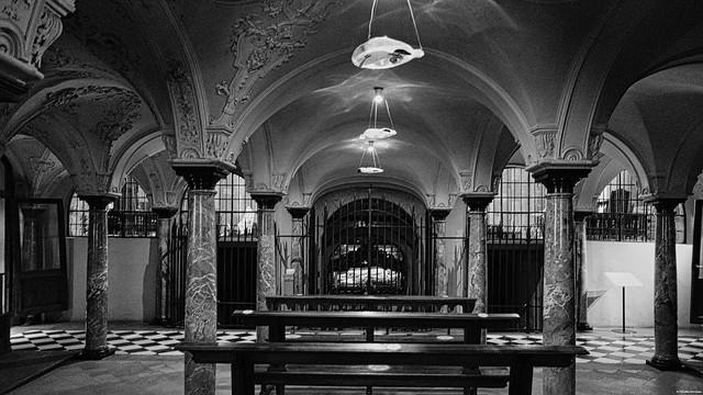 DSCF0309 Cripta della Basilica di Sant'Ambrogio