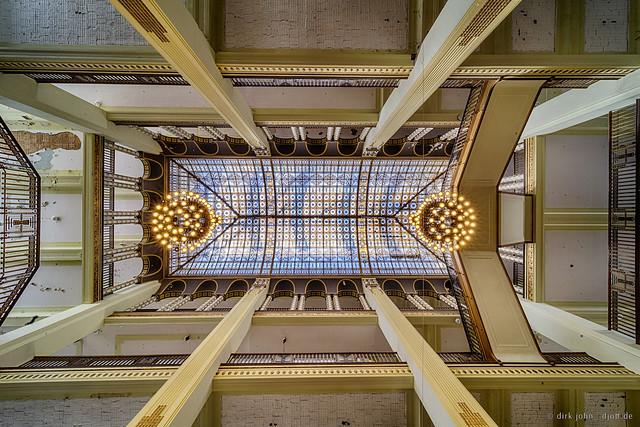 The Ceiling - Das Dach