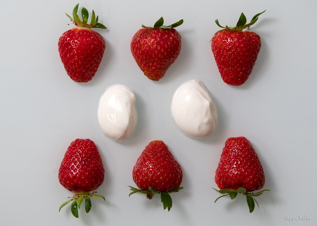 strawberries & yoghurt