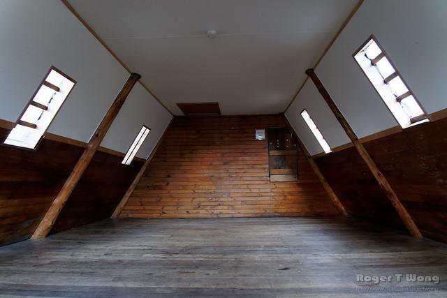 20210506-02-Scott-Kilvert Hut upstairs sleeping area