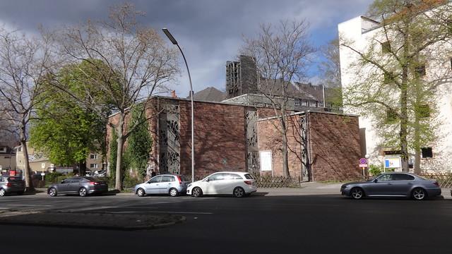 1964 Berlin-W. katholische Klosterkirche Maria Regina in Stahlbeton-Skelett-Bauweise von Paul Johannbroer Reginhardstraße/Residenzstraße 90 in 13409 Gesundbrunnen
