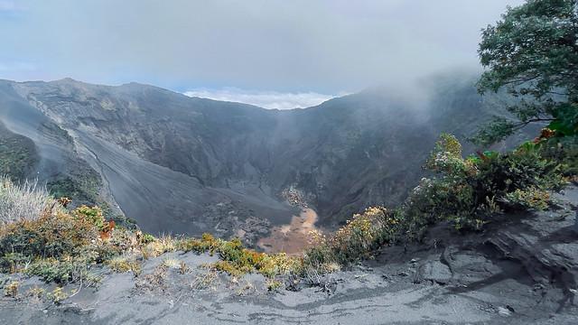 COSTA RICA Parque Nacional Volcán Irazú