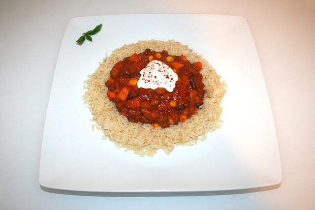 47 - Chili con carne with batata on rice - Served / Chili con Carne mit Süßkartoffel an Reis - Serviert