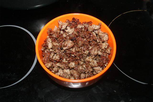 11 - Put browned ground meat aside / Gebräuntes Hackfleisch bei Seite stellen