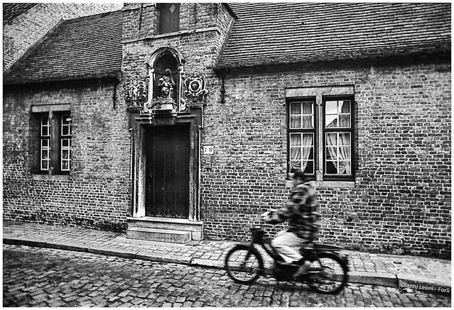 Brugge, Almshouse in Moerstraat 7/9