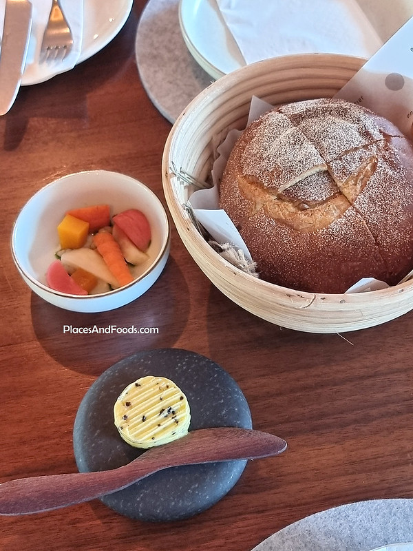 entier french dining bread and butter