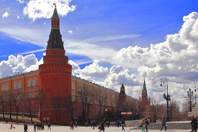 IMG_7593_2 - Moscow, Kremlin. A strange sky above the Arsenal'naja Uglovaja Tower.