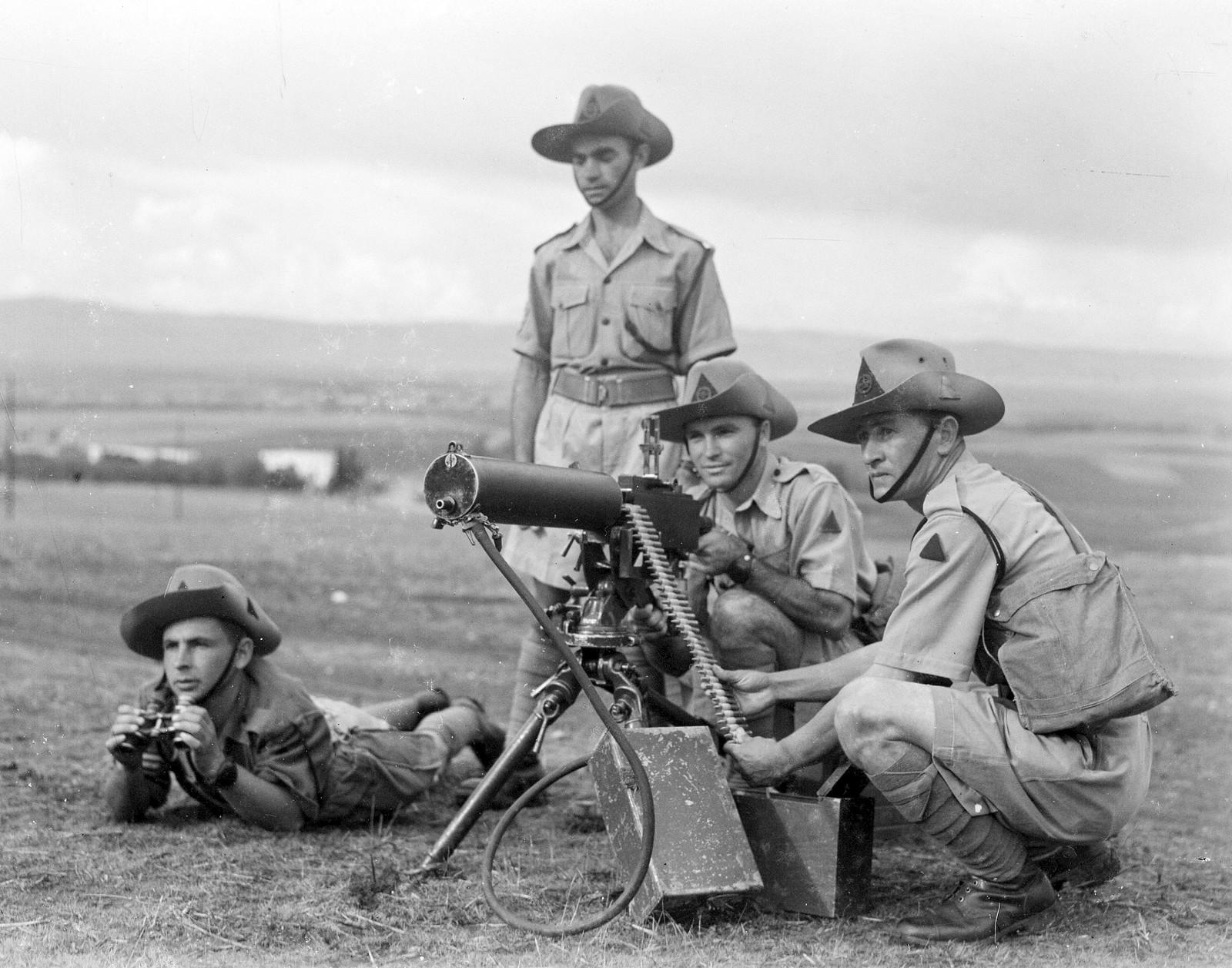 08. 1942. Еврейская поселенческая полиция во время полевых занятий на учебной базе в «Кфар Еладим»
