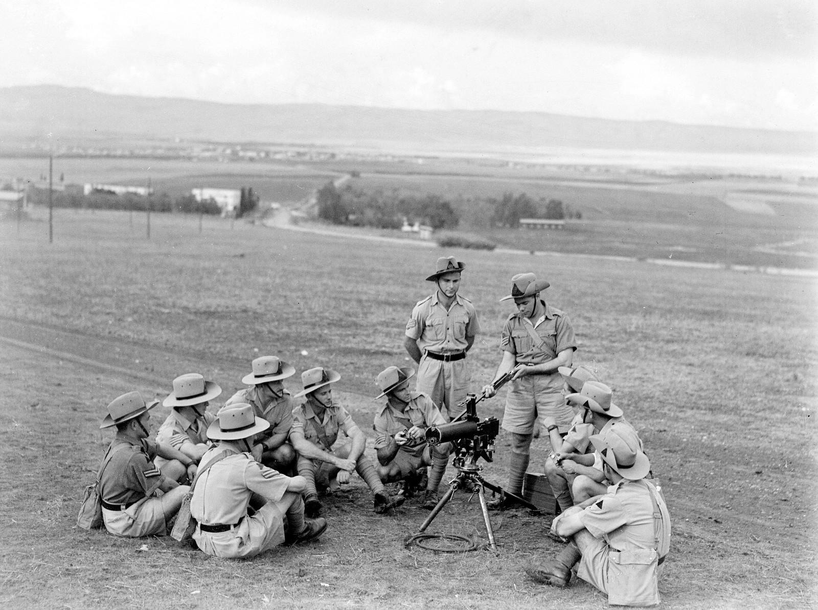06. 1942. Еврейская поселенческая полиция во время полевых занятий на учебной базе в «Кфар Еладим»