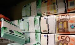 nabídka půjčky mezi jednotlivci. - titulní fotka