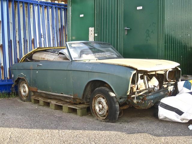 1970-75 PEUGEOT 304 Cabriolet Épave