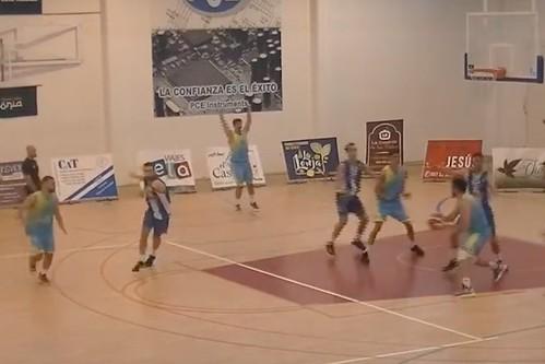 Captura de vídeo de una jugada de ataque del C.B. Agüimes en Tobarra