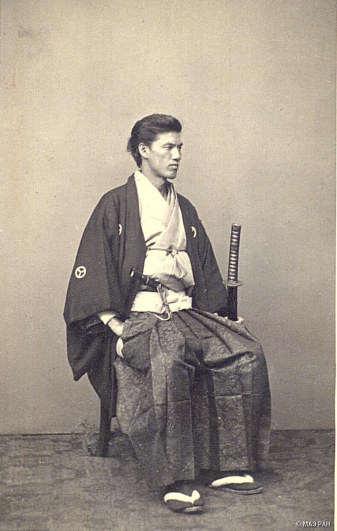 Портрет Яманоути Сакудзаэмона в традиционном костюме