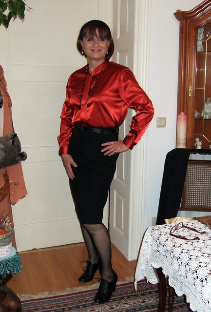 My wife´s skirtsuit