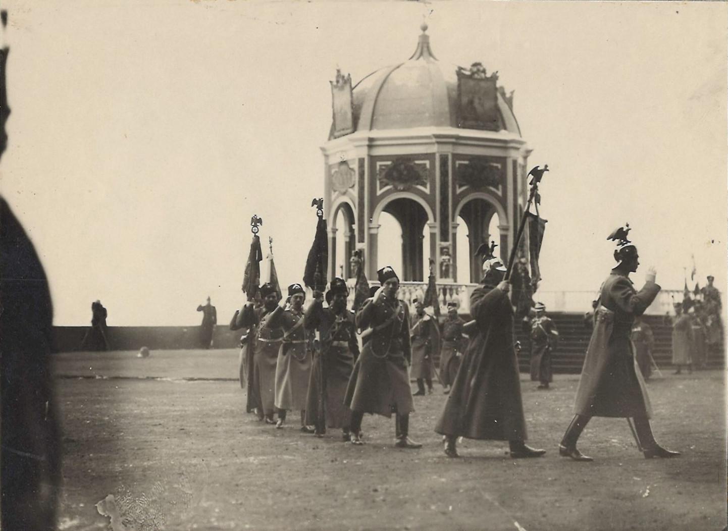 1912. Окропление знамен на Крещенском параде