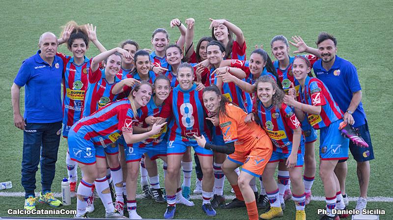 Squadra e team rossazzurro del campionato di Eccellenza femminile