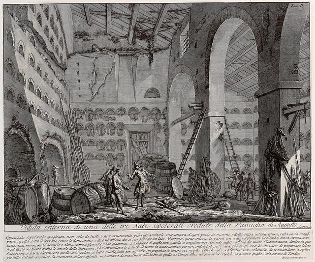 Veduta interna di una delle tre Sale sepolcrali credute della Famiglia di Augusto