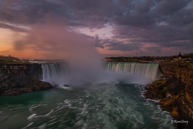 Dawn at Niagara Falls