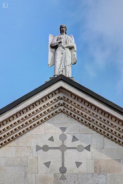#6898 Modena, facciata del duomo, sculture e bassorilievi