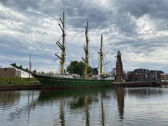 Alexander von Humboldt II @ Neuer Hafen Bremerhaven