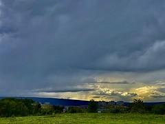 Luz entre nubes