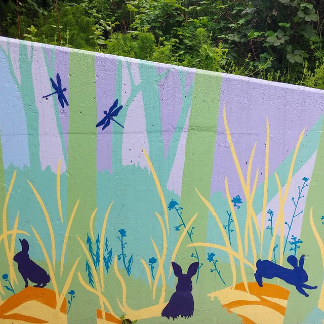 Weekly #walk w/ friends.#frommydailywalk #mural #bunny #rabbit #dragonfly #🐇