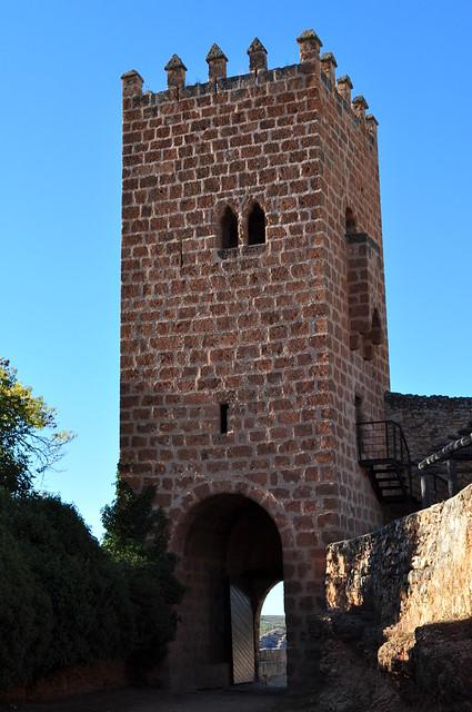 Donjon du château-fort, ancien monastère de Piedra, Nuévalos, communauté de Calatayud, province de Saragosse, Aragon, Espagne.
