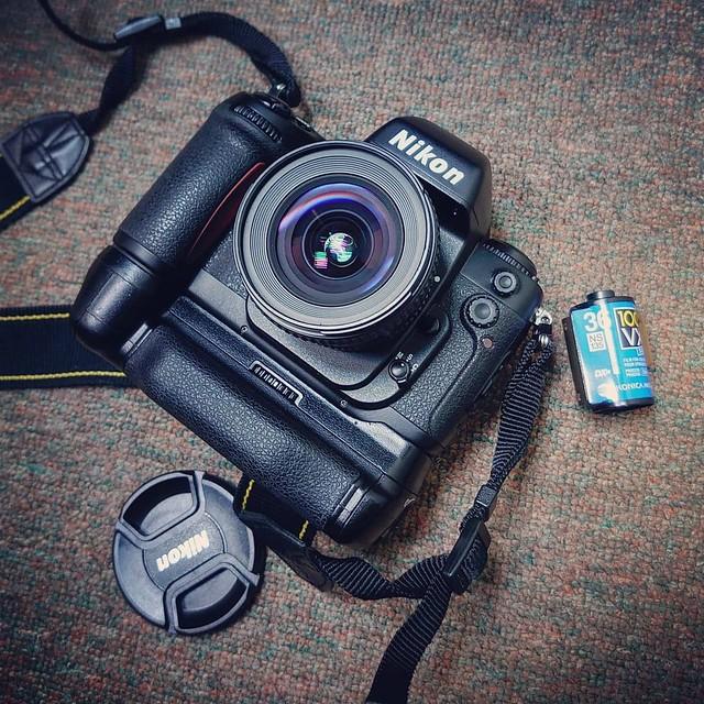 Nikon 20mm f2.8 非D 最長青的泥坑20mm