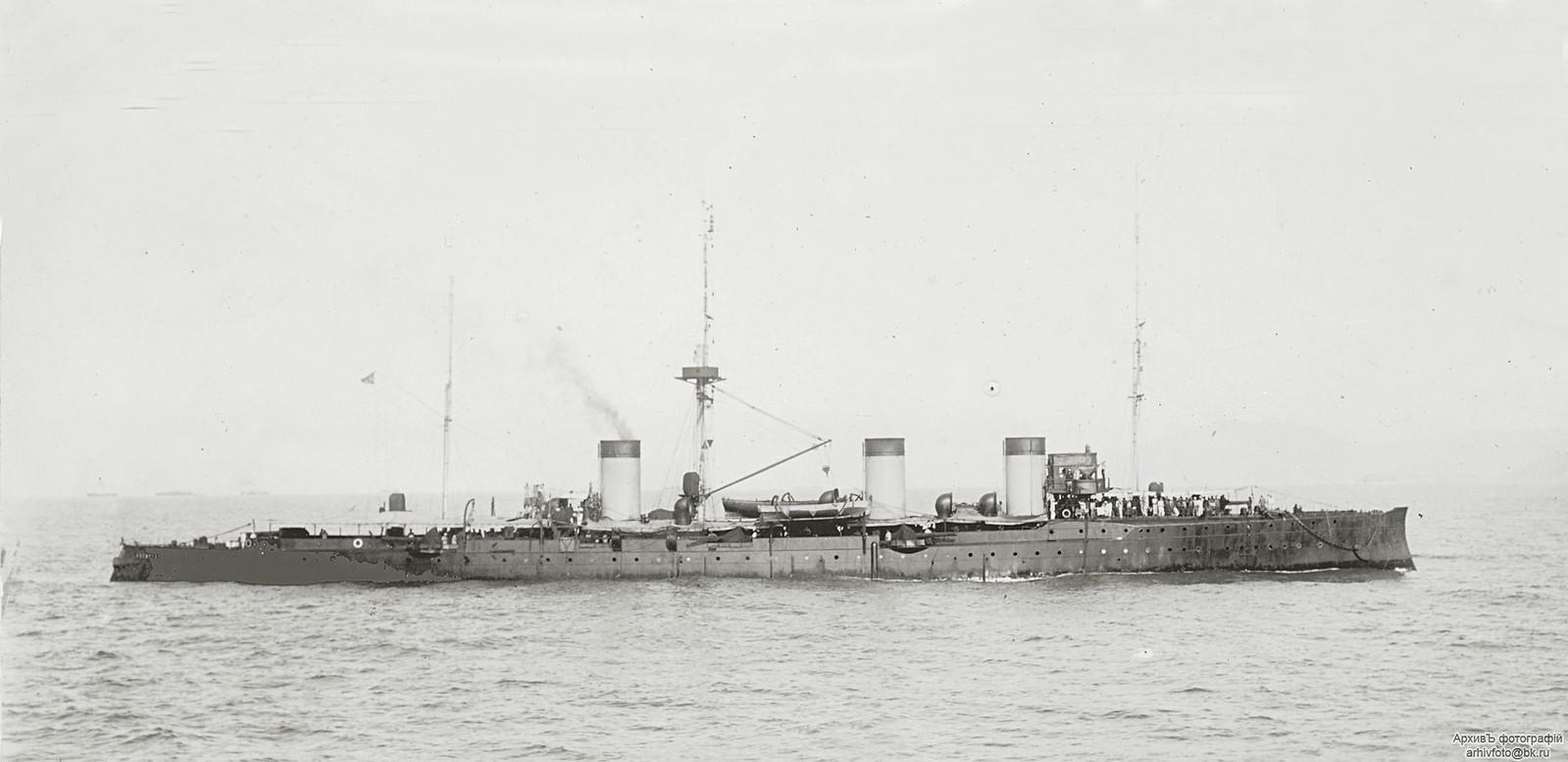 1904. Бронепалубный крейсер II-го ранга «Жемчуг». в Кронштадте.