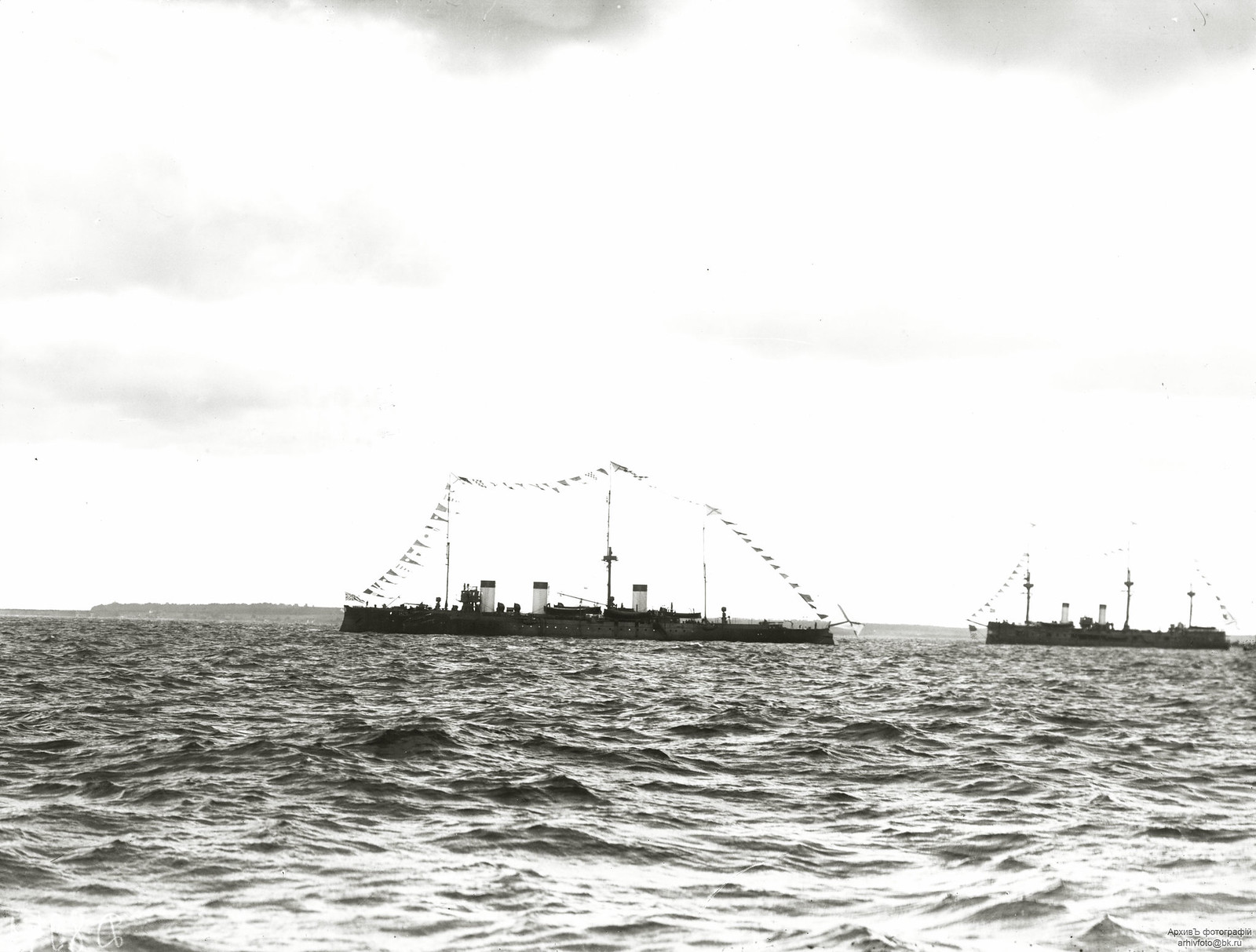 1904. Бронепалубный крейсер II-го ранга «Жемчуг» на Ревельском смотре 27 сентября
