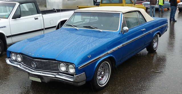 Buick Skylark Convertible blue vl