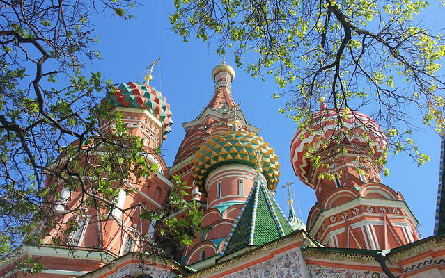 Holy Russia Architecture, Nature of Moscow, Springtime near Saint Basil's Cathedral - Cathedral of the Protection of Most Holy Theotokos on the Moat (since 1561), Red Square & Vasilyevsky Descent Square, Tverskoy district. Православнаѧ Црковь.