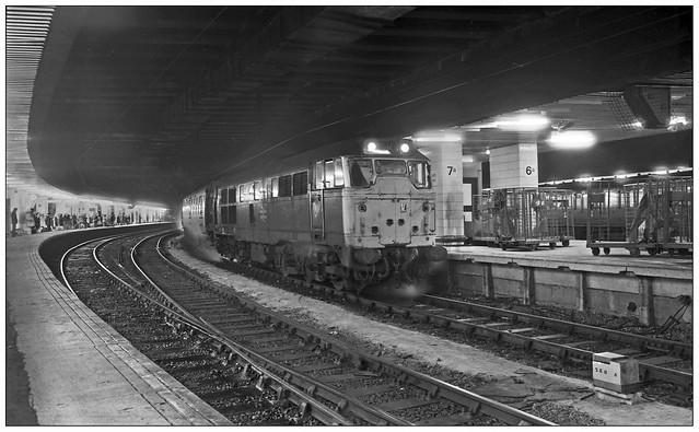 In steam (gbw 79/04/06)