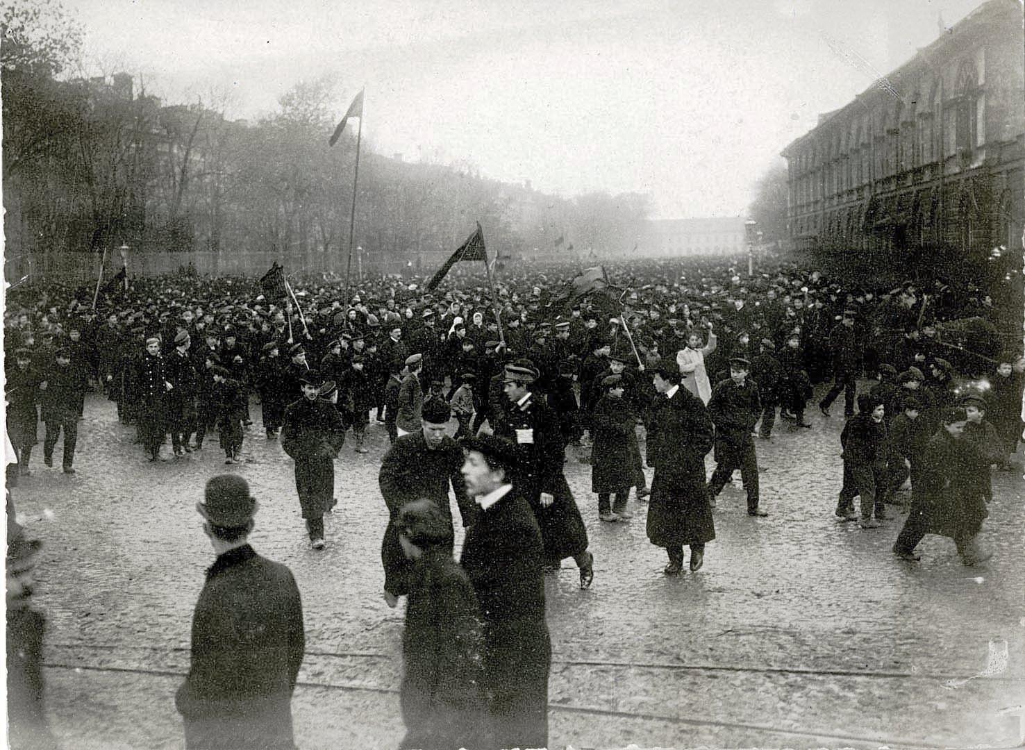 1905. Манифестация студентов 18 октября в Санкт-Петербурге