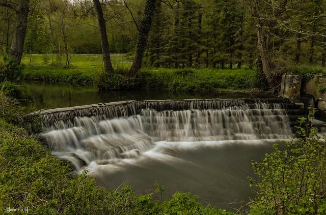 9725 - Waterfalls_
