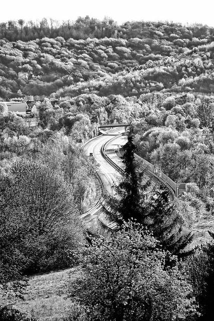 Landschaft mit A46 - Iserlohner Wald und Landschaft Schwarz Weiß.