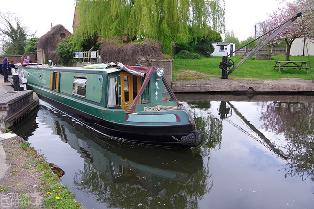 Heading South from Gailey Top Lock