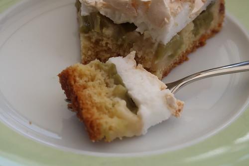Rhabarberkuchen mit Baiserhaube (Bissen)