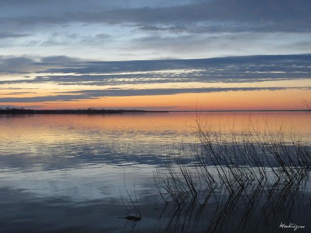 Reflections and sunrise - Reflets et lever de soleil