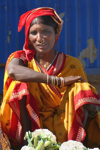 Femme au marché de Kunduli
