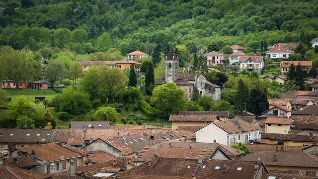 Avigliana, i tetti, San Pietro...