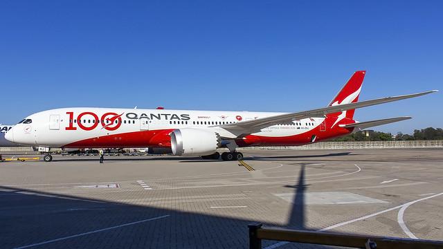 Qantas Boeing B787-9 VH-ZNJ 'Longreach' SYD-YSSY -1050