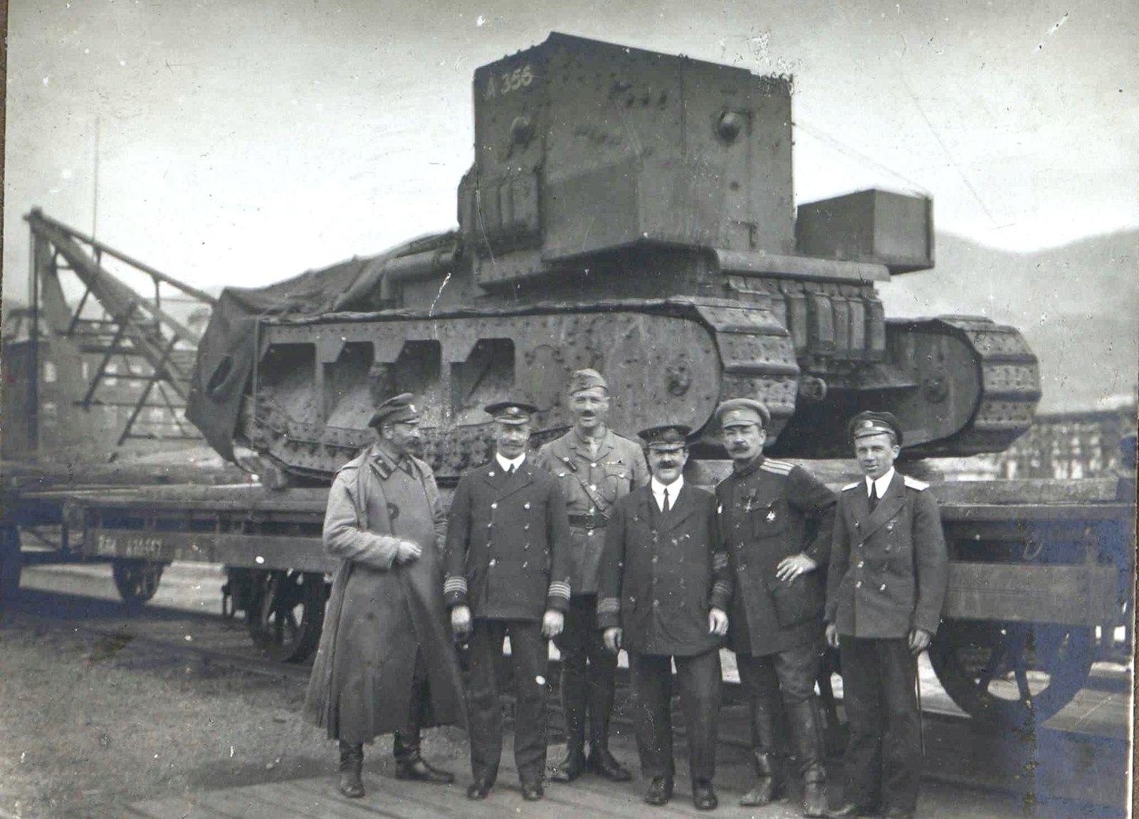 310. 1919. Отправка танков МК-А «Уиппет» по железной дороге из Екатеринодара на Царицынский фронт