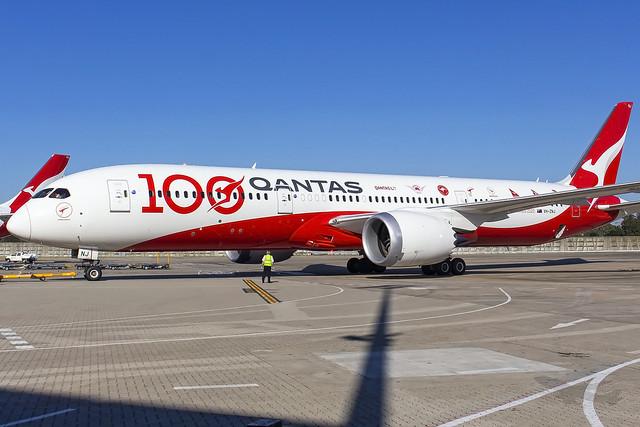 Qantas Boeing B787-9 VH-ZNJ 'Longreach' SYD-YSSY -1057