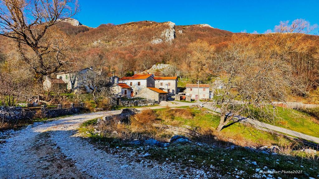 Selo Mala Učka u podnožju glavnoga masiva Učke