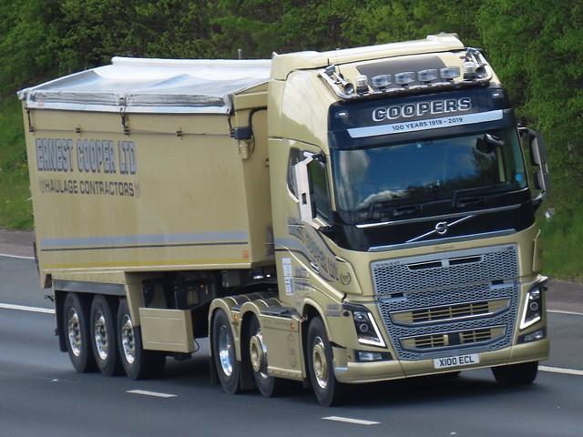 Ernest Cooper Ltd, Volvo FH (X100ECL) On The A1M Northbound