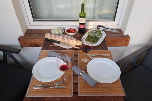 Grillen am Abend des Muttertages (Tischbild)